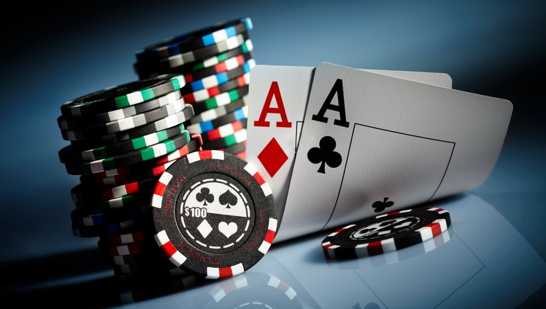 Il poker online raggiunge il mercato italiano